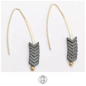🎉Vintage Spear Arrow Gold Hook Earrings